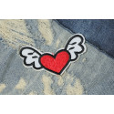 Lovely flying heart patch, sew on iron on badge ca. 70mm